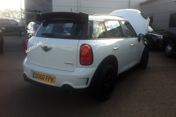 Mini-Countryman-18101111439197471600x1060