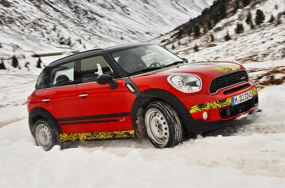 Mini-Countryman-13121111937395661600x1060
