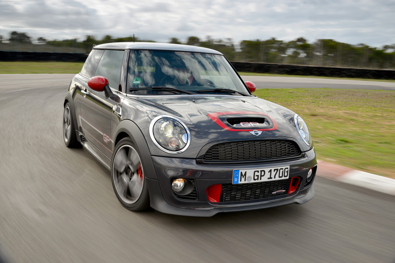 Early Take 2015 F56 Mini Jcw Vs The R53 And R56 Mini Gp Motoringfile