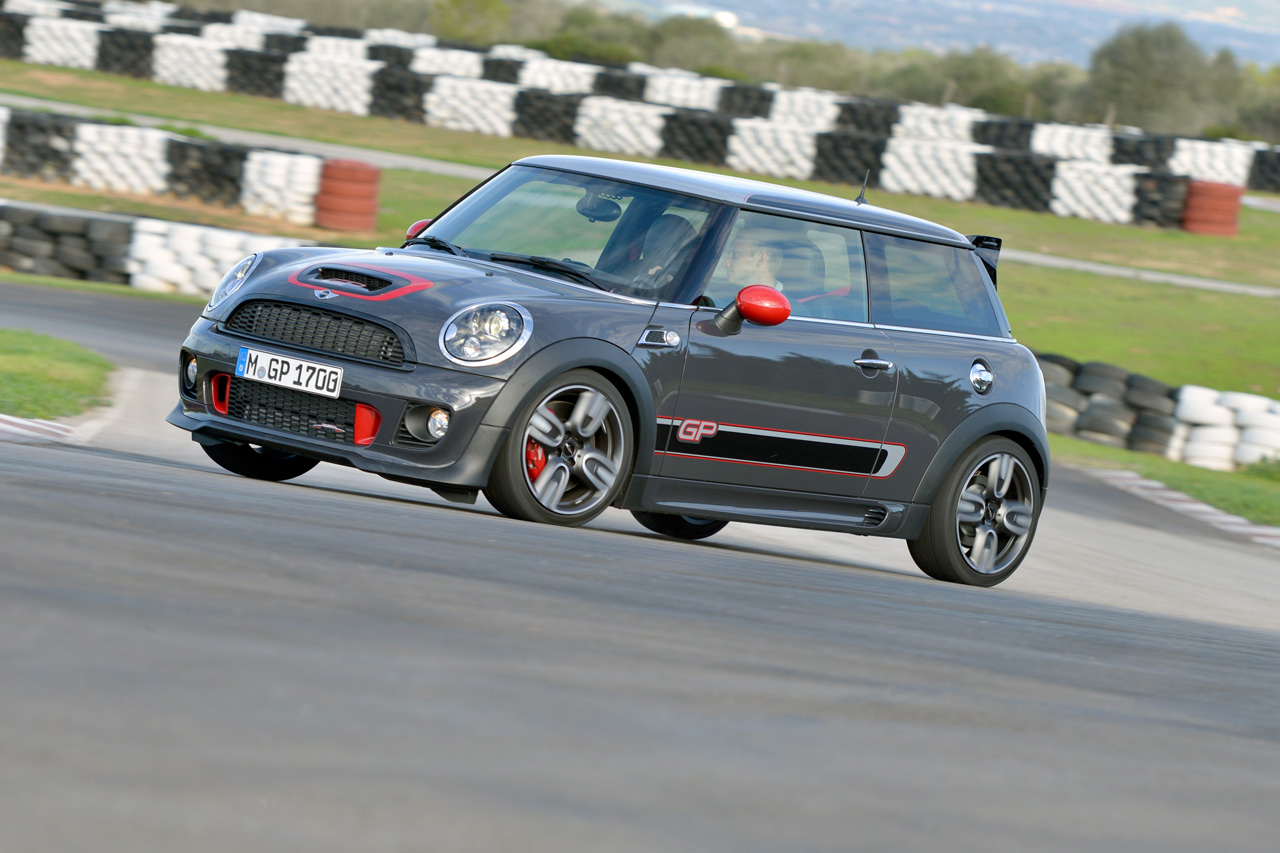 [Update – BMWNA and BMWCCA Respond] Some New MINIs to be Banned from Track Days