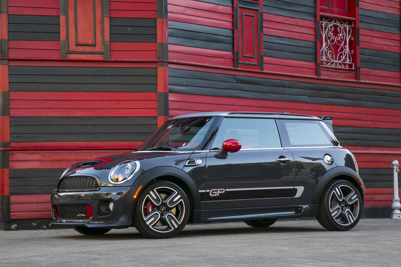 opinion why the new gp is mini 39 s first real jcw product motoringfile. Black Bedroom Furniture Sets. Home Design Ideas