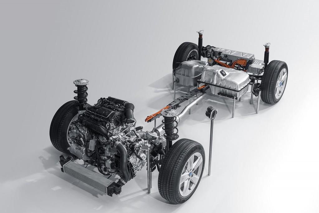 2017 MINI Clubman hybrid system.
