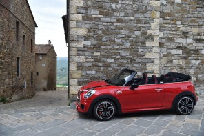 F57_JCW_convertible_396_MotoringFile