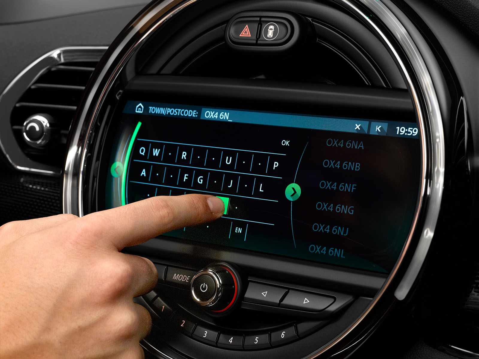 Minis New Touchscreen Navigation Is A Huge Upgrade Motoringfile