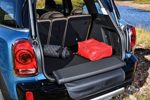 "Here's How the MINI Countryman ""Picnic Bench"" Works"
