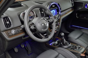 MINI Countryman Named Top Interior by Wards Auto