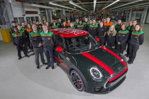 MINI's Oxford Plant Celebrates its 3 Millionth MINI