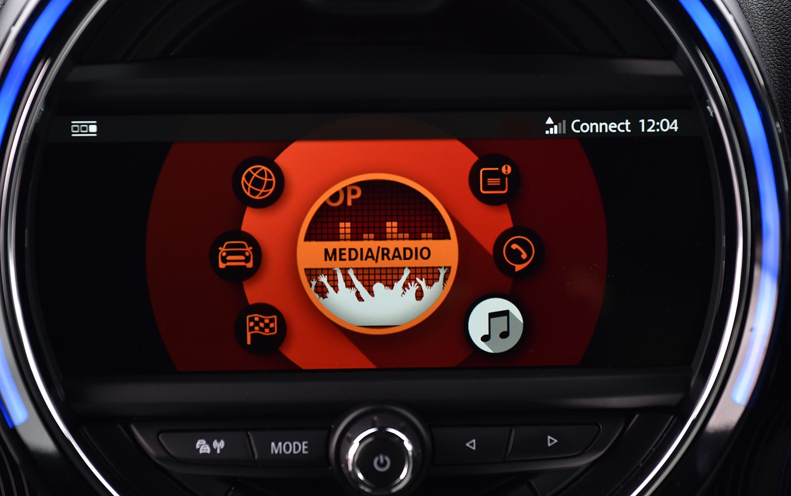 mini s new touchscreen navigation is a huge upgrade motoringfile rh motoringfile com Mini Mouse All 4 Mini Cooper S