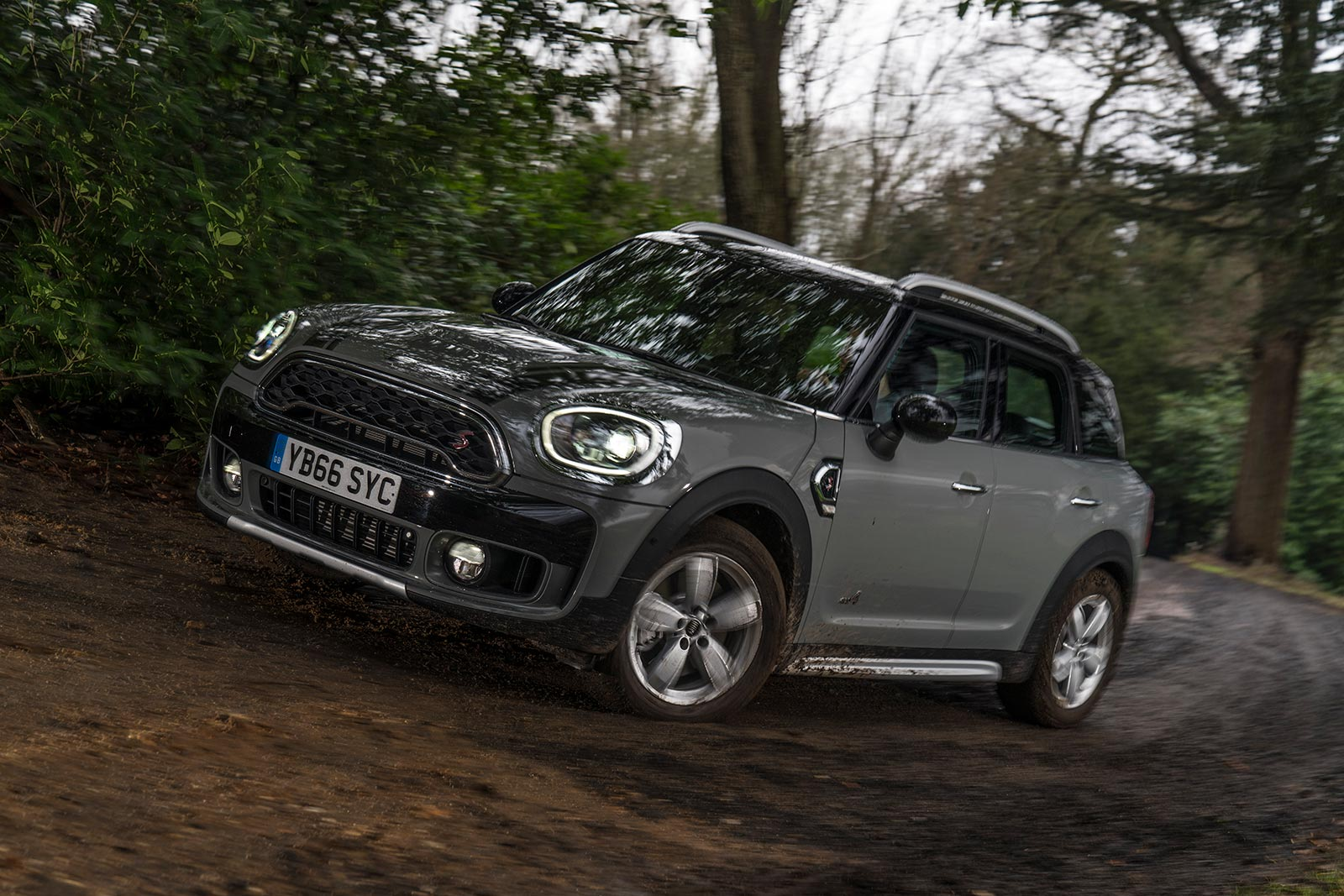 keep calm and shift the mini countryman cooper s manual is coming rh motoringfile com Mini Coopers in 2000 for Alabama Mini Cooper S 2000