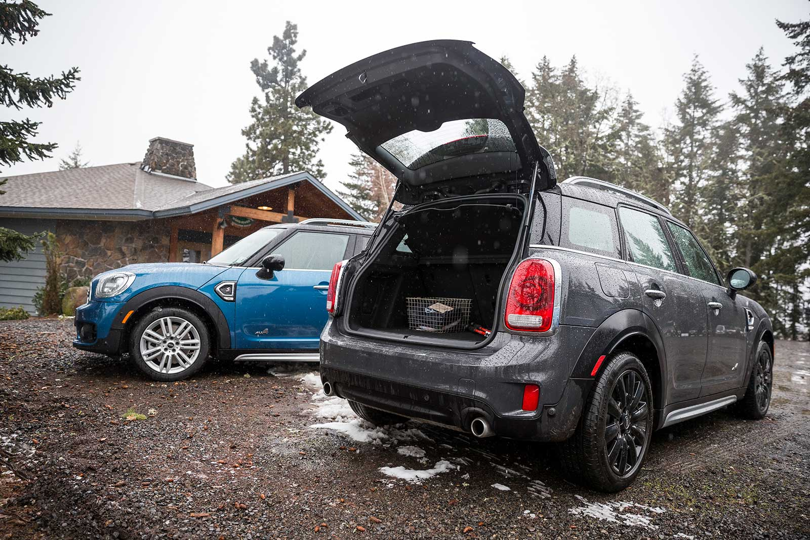 mini countryman vs clubman sizing them up motoringfile. Black Bedroom Furniture Sets. Home Design Ideas