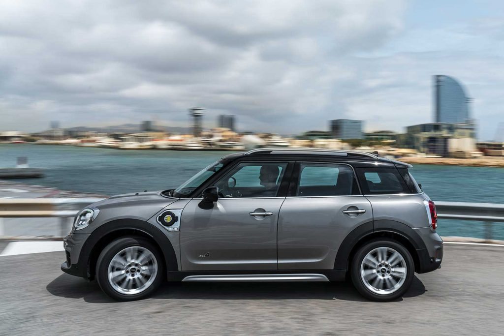 the mini countryman hybrid order books are open   motoringfile