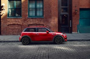 The MINI Cooper Signature Line Black Friday Deal