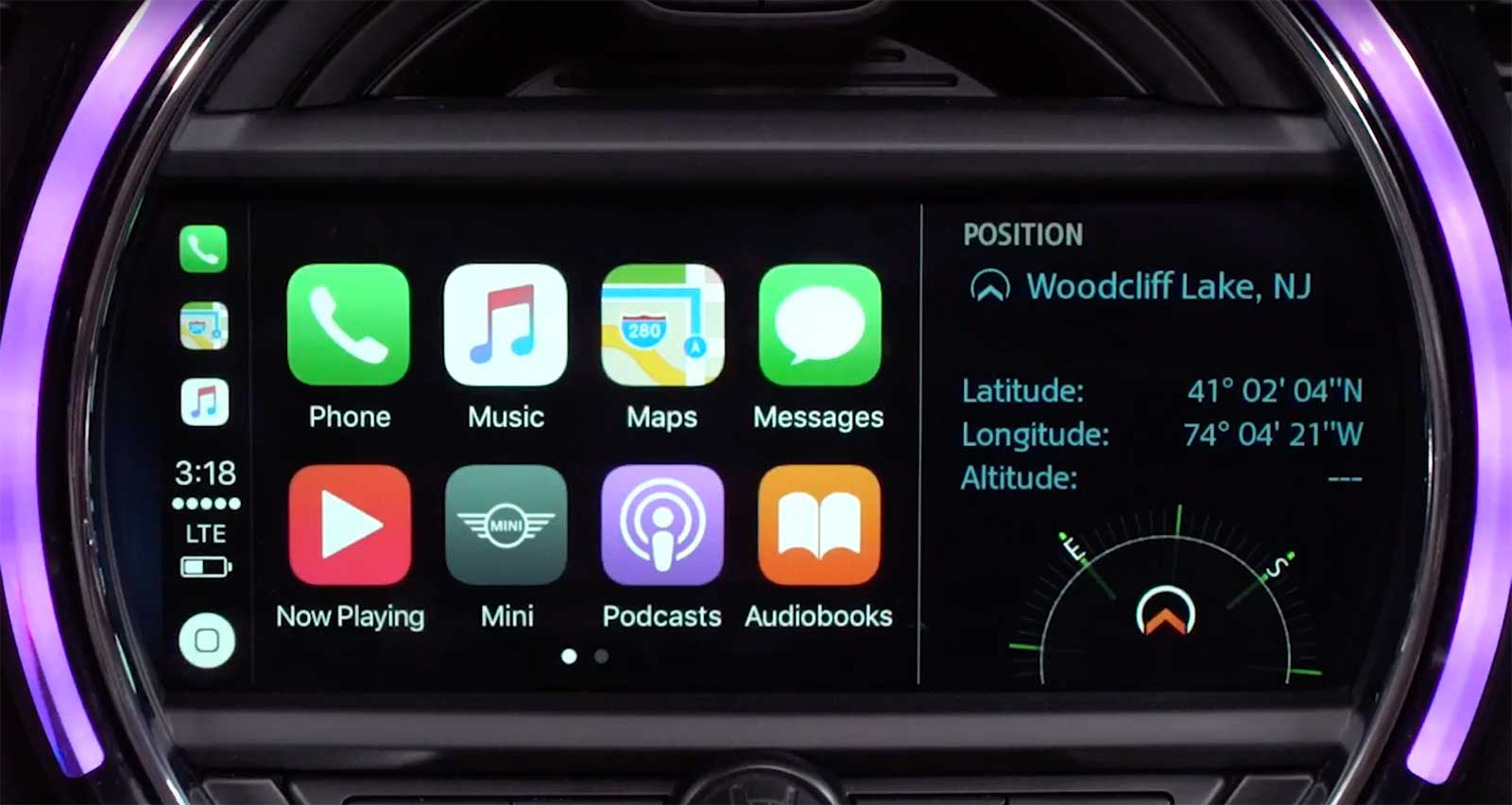MINI CarPlay Demoed by MINI USA MotoringFile