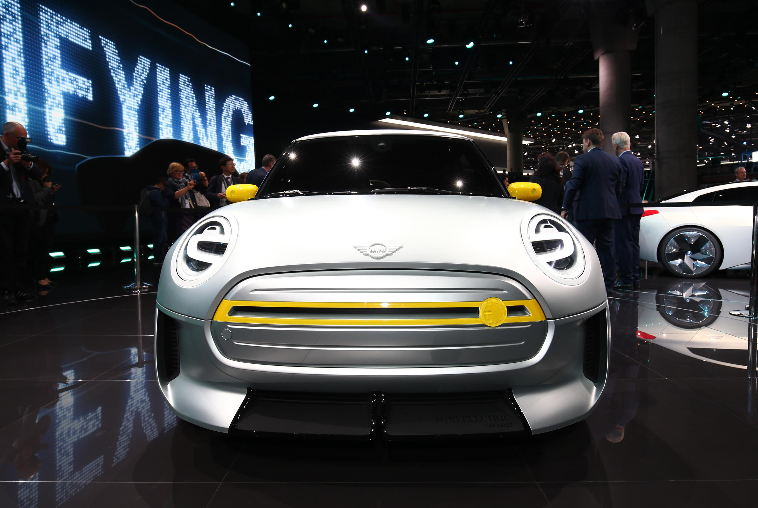 MINI At The Los Angeles Auto Show MotoringFile - Car show in los angeles this weekend