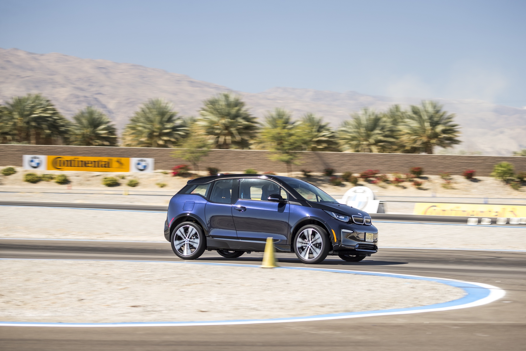 Review: The BMW i3s - Testing the MINI Electric Early - MotoringFile