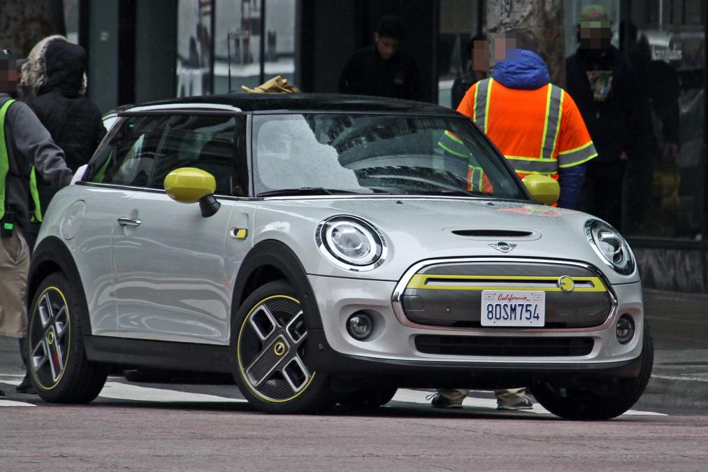 Heres The 2020 Mini Cooper S E All Electric Before Youre Suppose