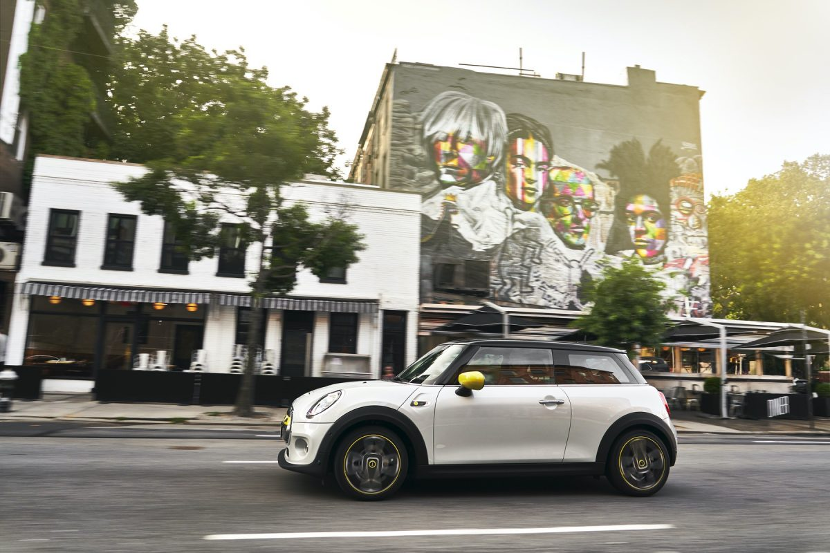 Electric MINI Cooper SE