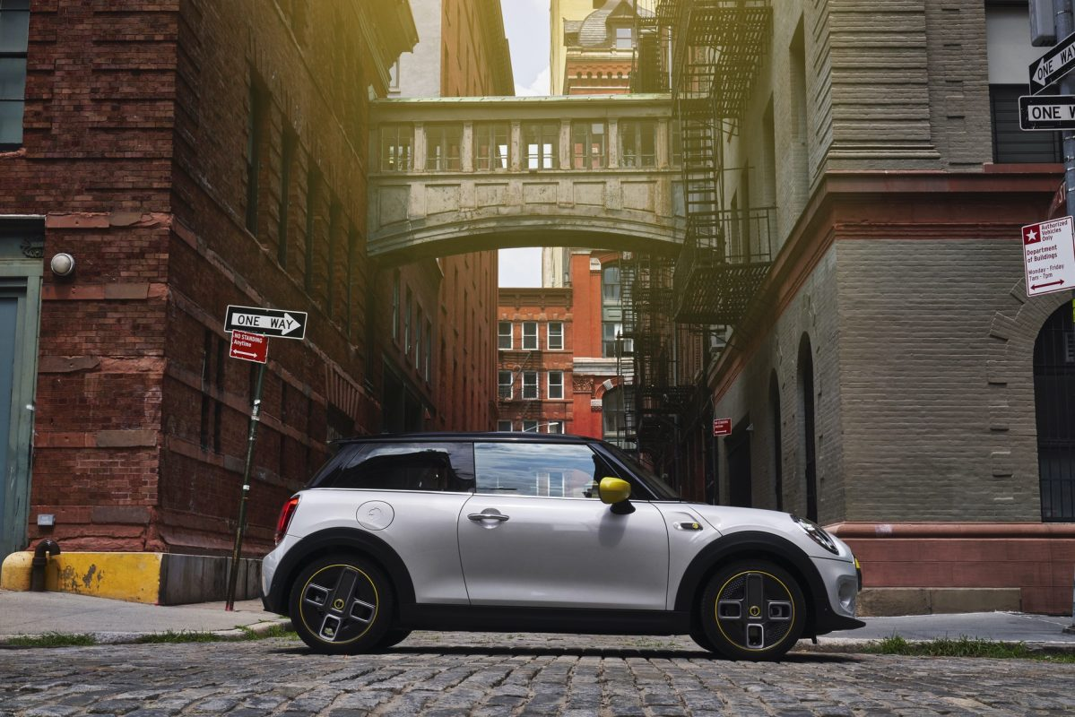 MINIUSA flipped financing Electric MINI Cooper SE